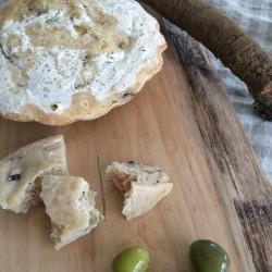 3月パン ゴボウとオリーブのフォカッチャ(ローズマリーの香り)