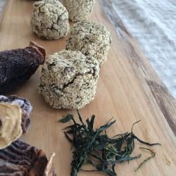 6月の発芽モード玄米100%スコーン(新茶+干し柿)