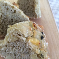 8月パン focaccia di patate(ジャガイモ+青じそフォカッチャ)