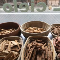 11月 天然酵母を使用したイタリアの焼き菓子(クラッカー)