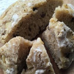 7月パン olive e patate focaccia(黒オリーブ+新ジャガイモのフォカッチャ)
