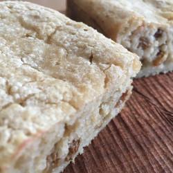 3月パン 玄米100%(酒粕レーズン入り)